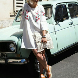 Bell Sleeved Embroidered Tunic Dress